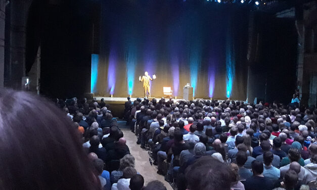 Jordan Peterson on stage, in the belly of the beast